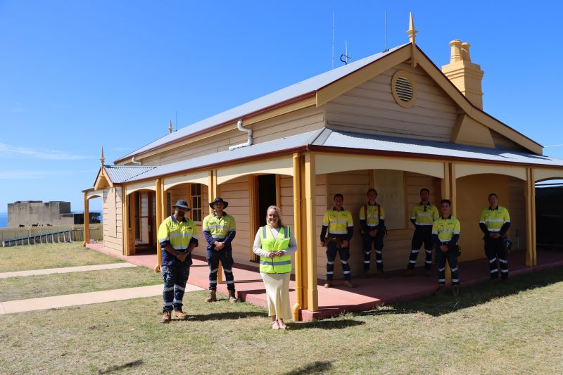 Lord-Mayor-Nuatali-Nelmes-with-workers-at-Shepherds-Hill-Cottage-exterior-web.jpg