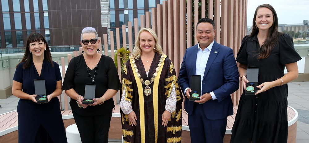 Lord-Mayor-Nuatali-Nelmes-with-City-of-Newcastle-s-2021-Citizenship-Award-recipients-web.jpg